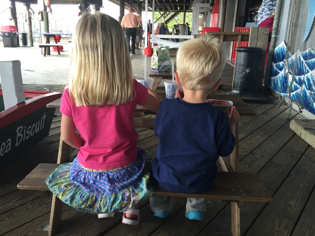 Kids eating al fresco at Captain's Cove