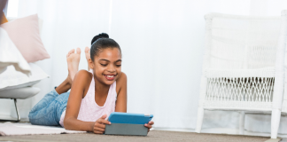 Screen Time, Socializing and the Pandemic Parent Dilemma
